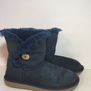 UGG One Button Bailey Boots 6